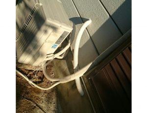 トイレ給水管、外部補修